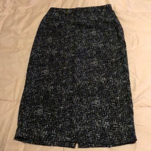 3/$15 Target skirt size 6 black white and blue